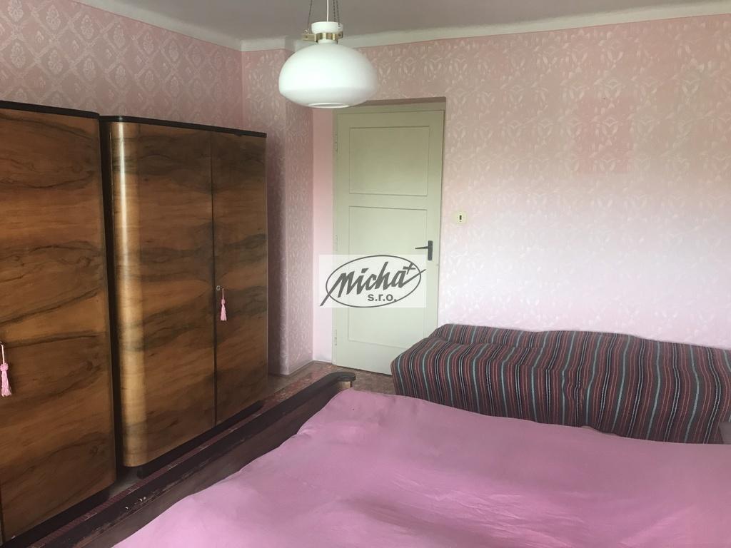 017 spálňa