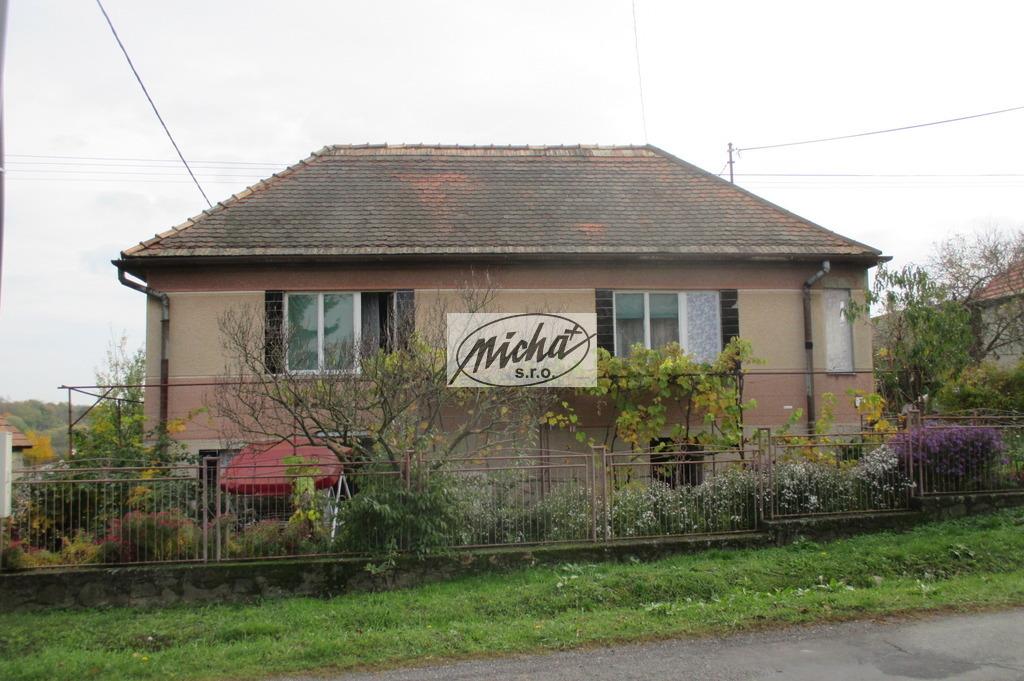 002 čelný pohľad na dom