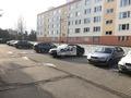 044 parkovanie pred domom