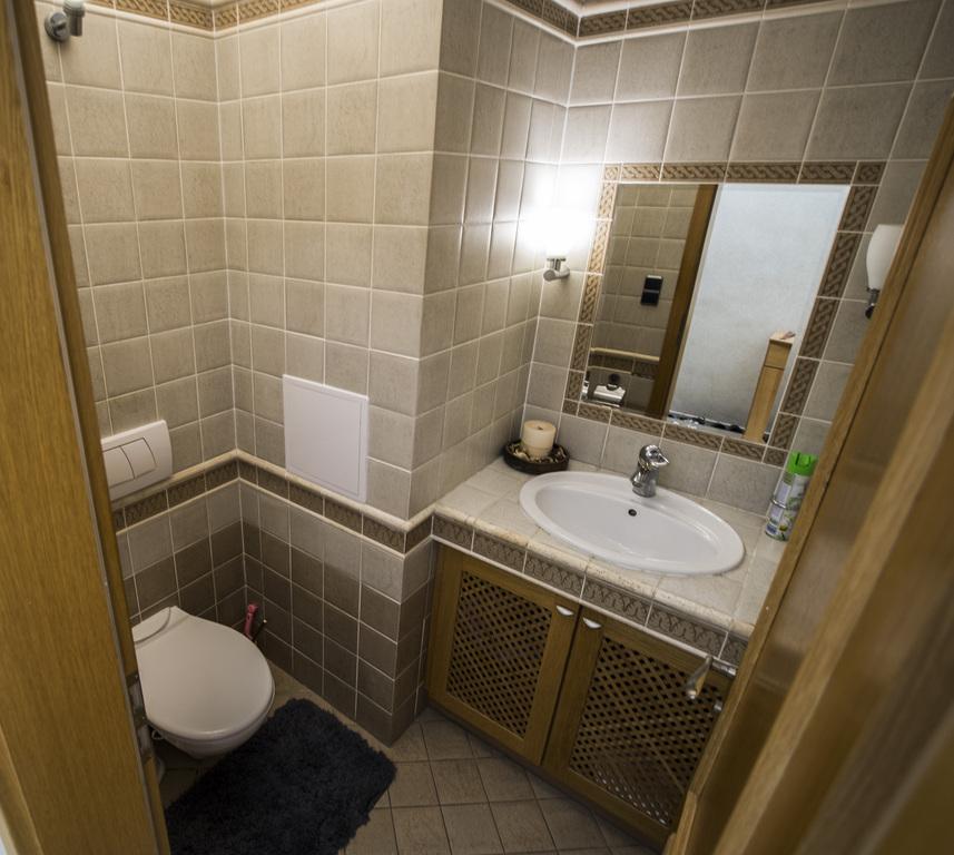 02. WC s umývadlom