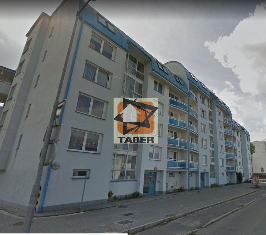 dom_predny_pohlad