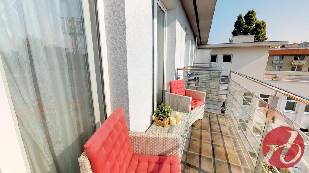 balkón z ovýbačky