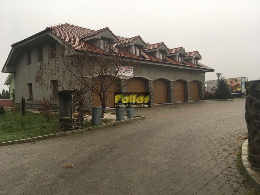 PREDAJ polyfunkcie s parkoviskom a terasou v blízkosti Piešťan (5)