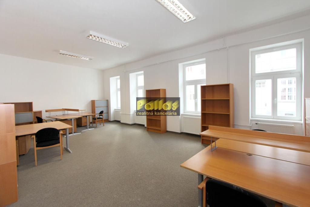 Prenájom kancelárie v centre mesta Piešťan (3)