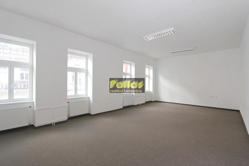 Prenájom kancelárie v centre mesta Piešťan