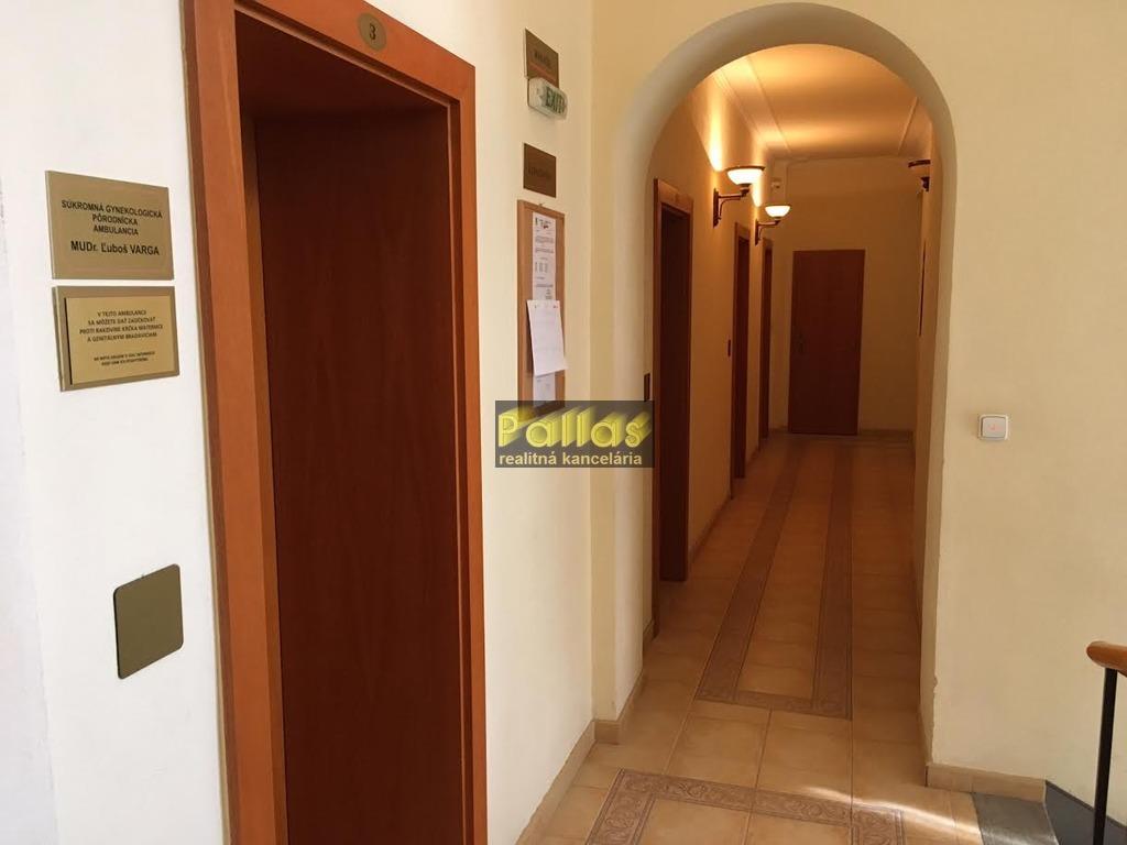 PRENÁJOM repre kancelárie v centre Piešťan 14
