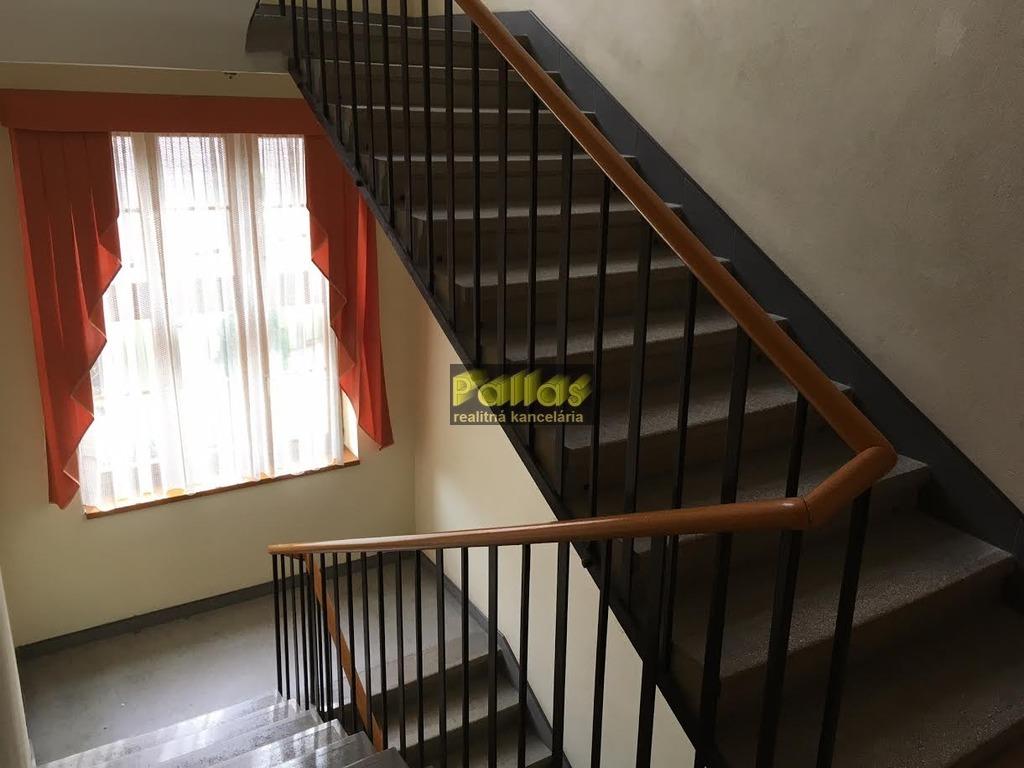 PRENÁJOM repre kancelárie v centre Piešťan 13