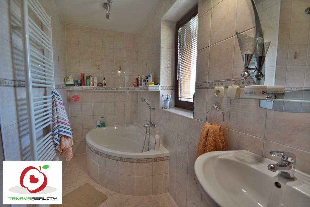 Kúpeľňa 3 www.trnavareality.sk