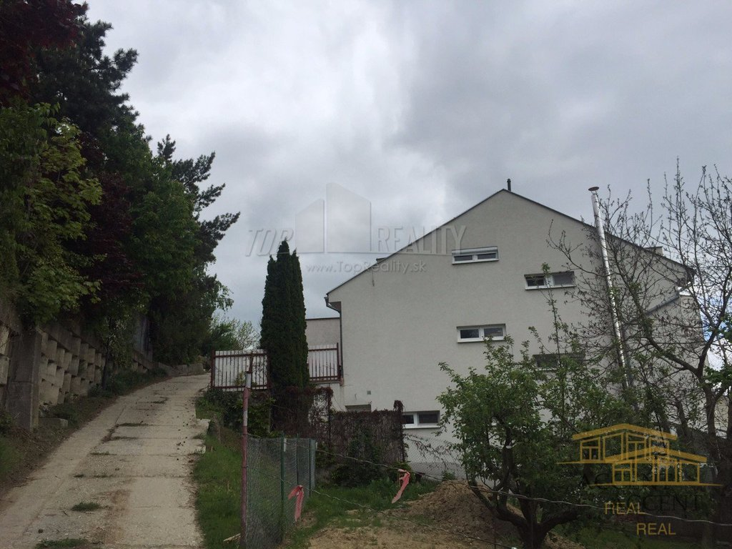 exkluzivny-stavebny-pozemok-v-lukrativnej-vilovej-stvrti-d1-592-5928018_10