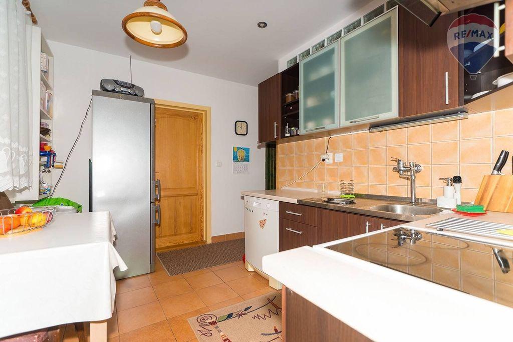 4 izbový byt Liptovský Mikuláš - kuchyňa