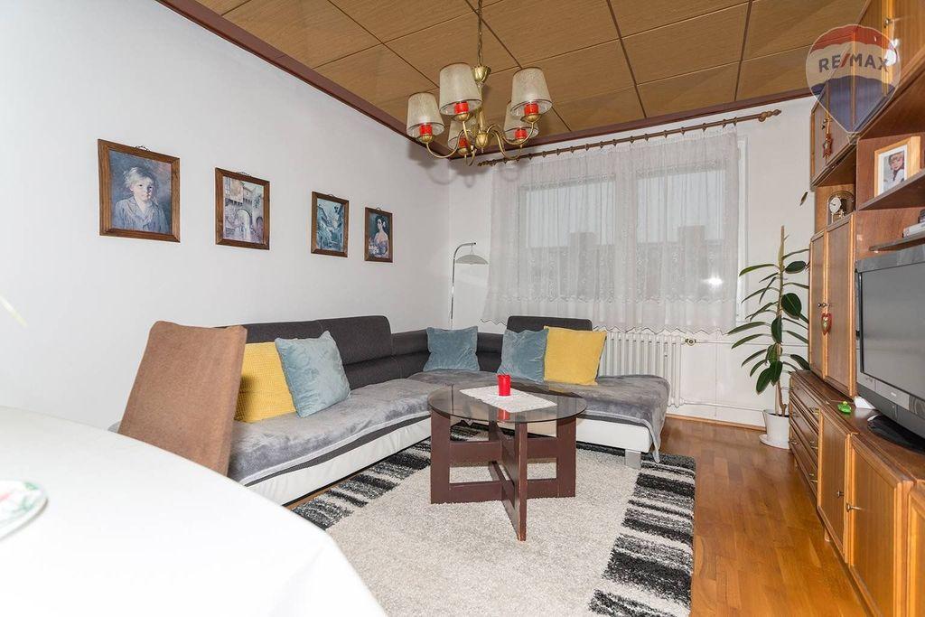 4 izbový byt Liptovský Mikuláš - obývačka